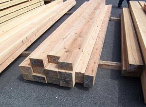色艶や節の状況なども木材の品質として重要